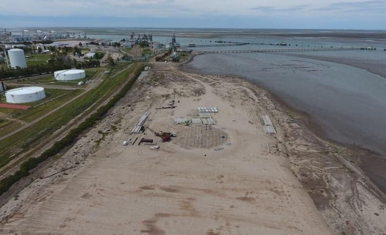 Ya comenzó a tomar forma la nueva playa de tanques en la zona de Galván